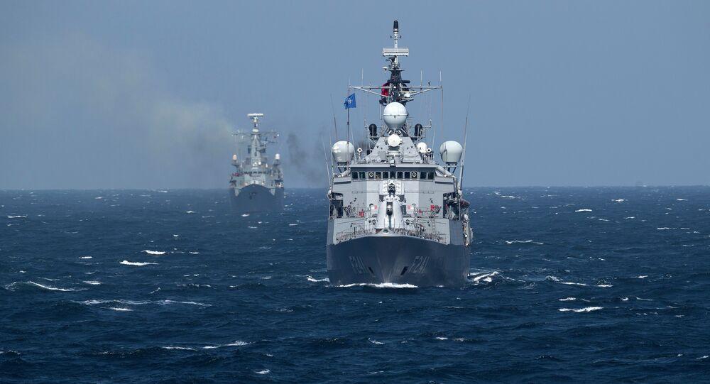 Navire de l'Otan dans la mer Noire
