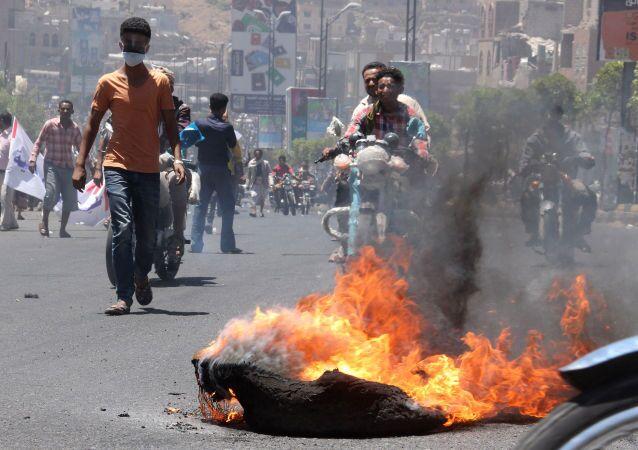 Les Houthis, soutenus par les troupes fidèles à l'ancien président Abdallah Saleh, ont pris les contrôle de Taïz, troisième ville du Yémen