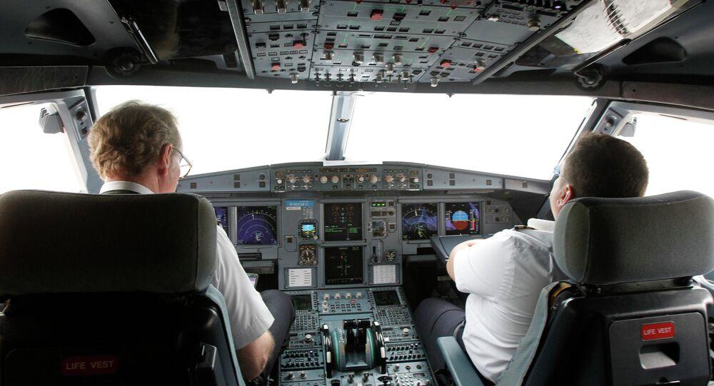 Pilotes dans le cockpit de VietJet A320 (Archives)