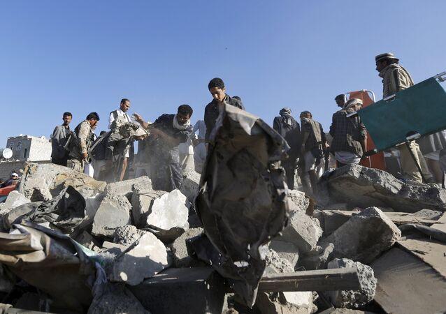 Après un bombardement près de l'aéroport de Sanaa