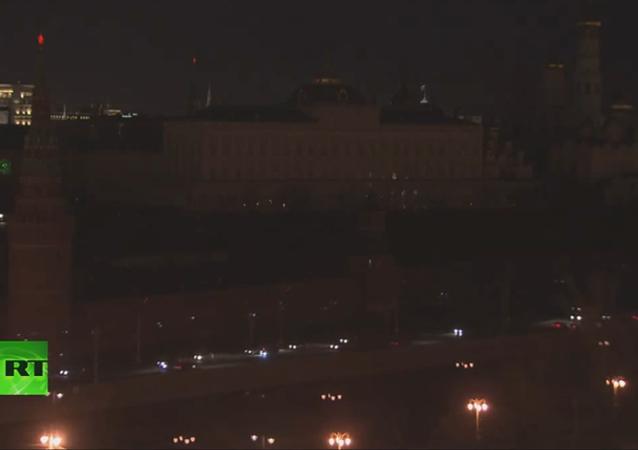 Le Kremlin plongé dans l'obscurité