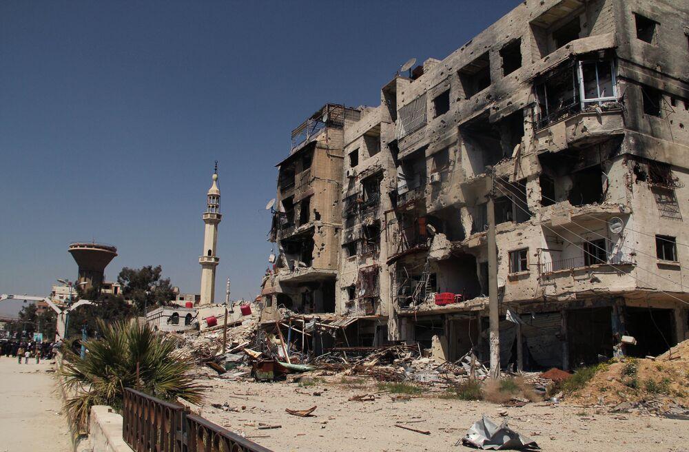 Dans une rue du camp de Yarmouk