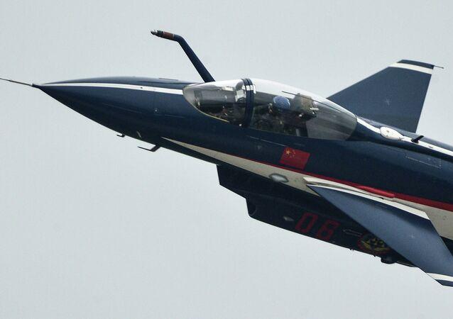 Avion chinois J10