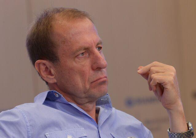 Iskander Valitov, méthodologue, membre du Club Zinoviev de Rossiya Segodnya