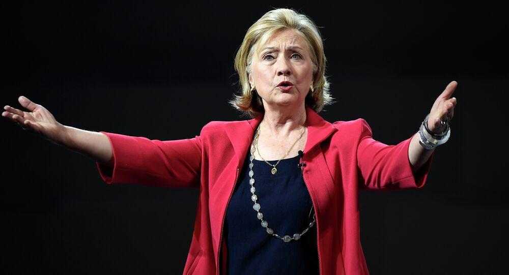 Scandale des courriels d'Hillary Clinton: 3h30 pour livrer sa version au FBI