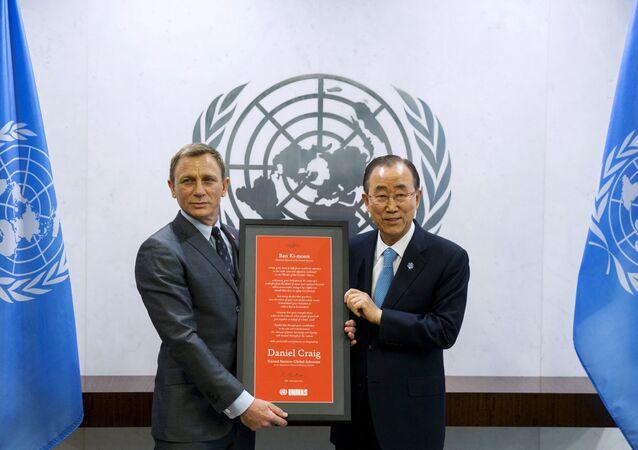 L'acteur Daniel Craig et le secrétaire général de l'Onu Ban Ki-moon