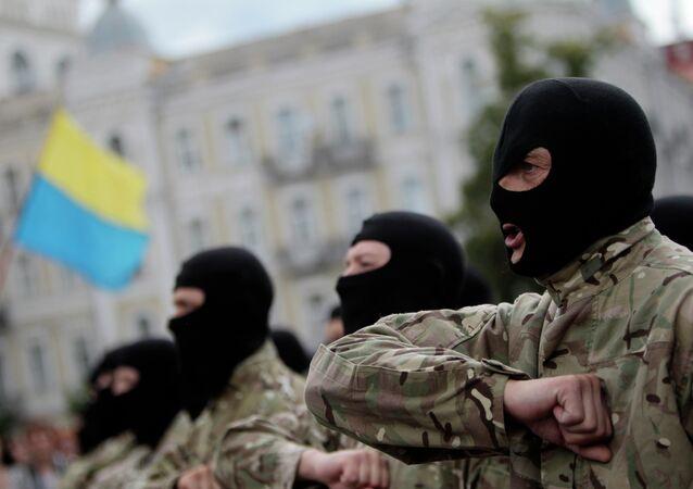 Des combattants volontaires de Kiev