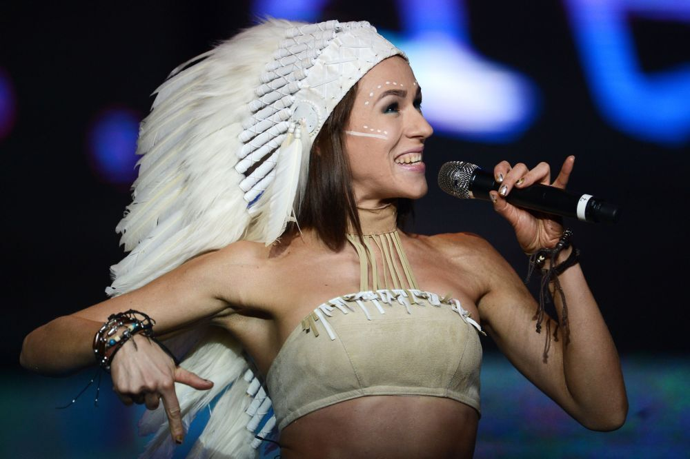 La soliste du groupe IOWA, Ekaterina Ivantchikova, sur la scène de Barvikha Concert Hall de Moscou