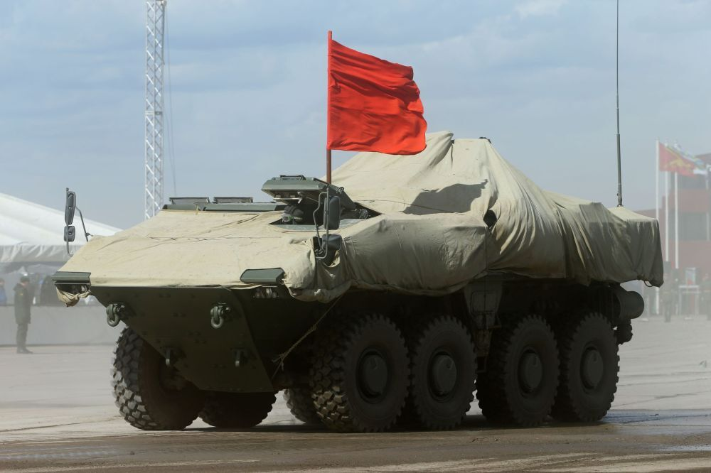 Un véhicule blindé de transport de troupes Boomerang