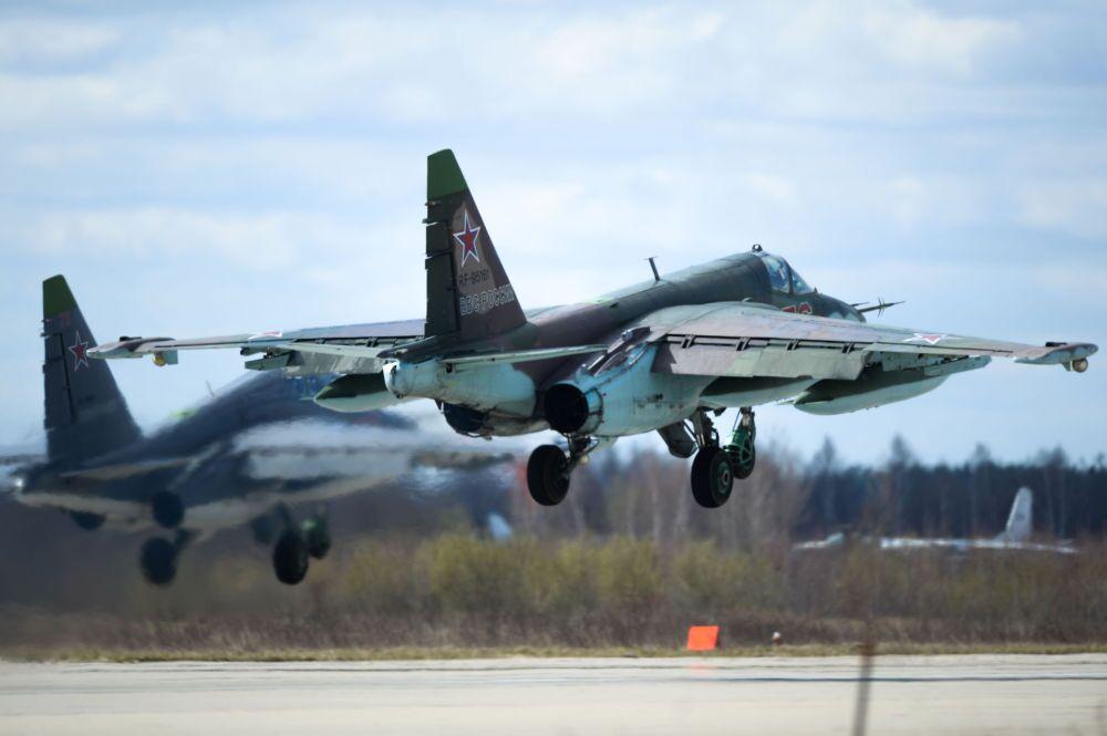 Un chasseur Su-35 sur l'aérodrome militaire de Koubinka