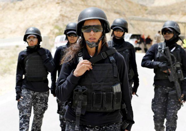 Un détachement de femmes-policiers en Jordanie