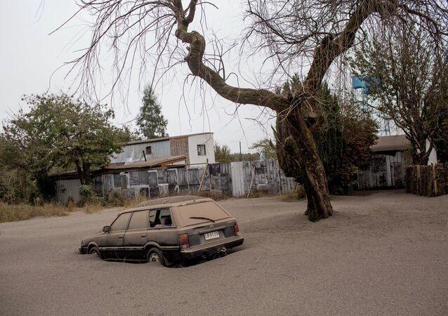 Feu et cendres: le Chili en alerte suite à l'éruption du volcan Calbuco