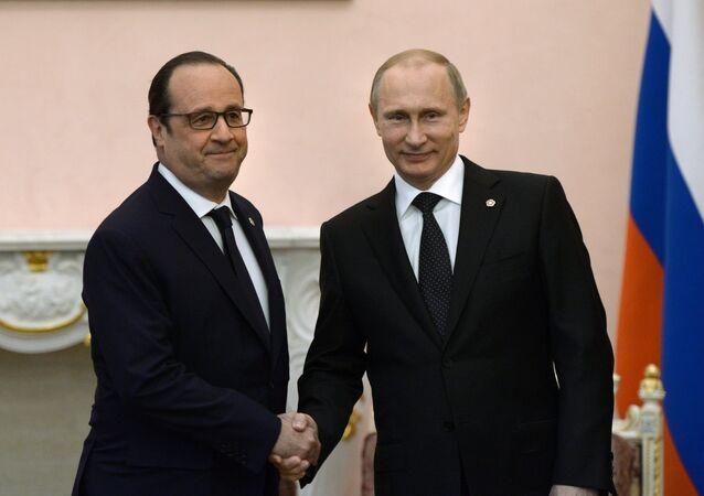 Le président français François Hollande et le président russe Vladimir Poutine à Erevan