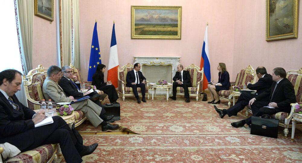 Rencontre du président français François Hollande et du président  russe Vladimir Poutine à Erevan