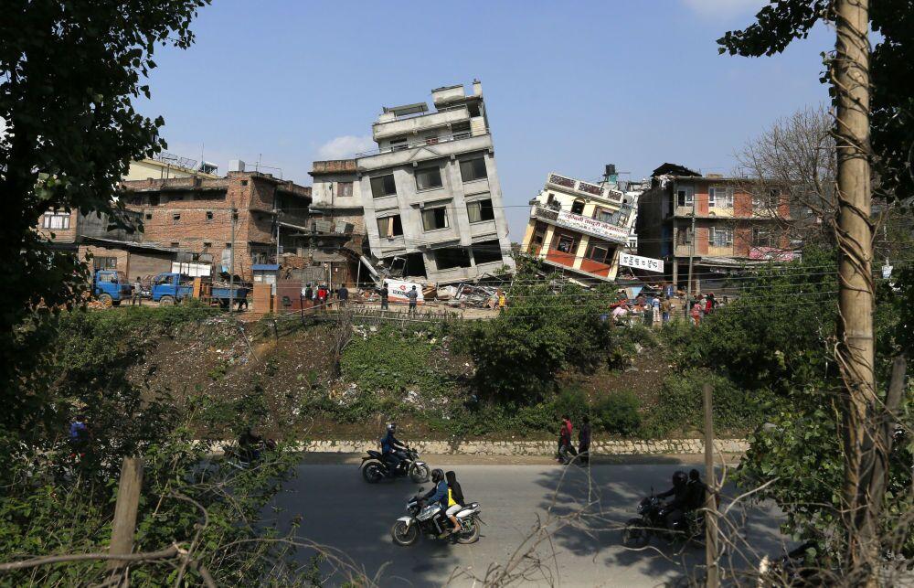Maisons détruites à Katmandou, 27 avril 2015