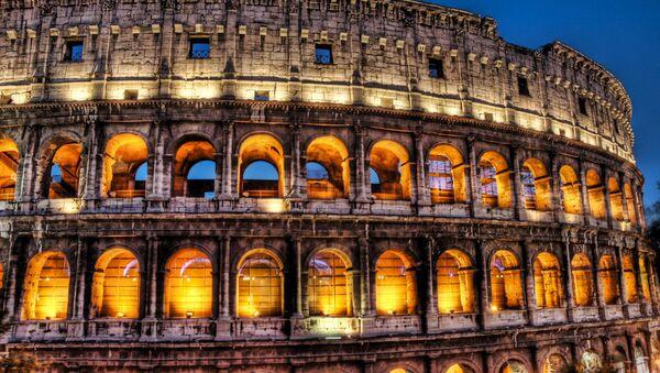 The Colosseum at dusk - Sputnik France