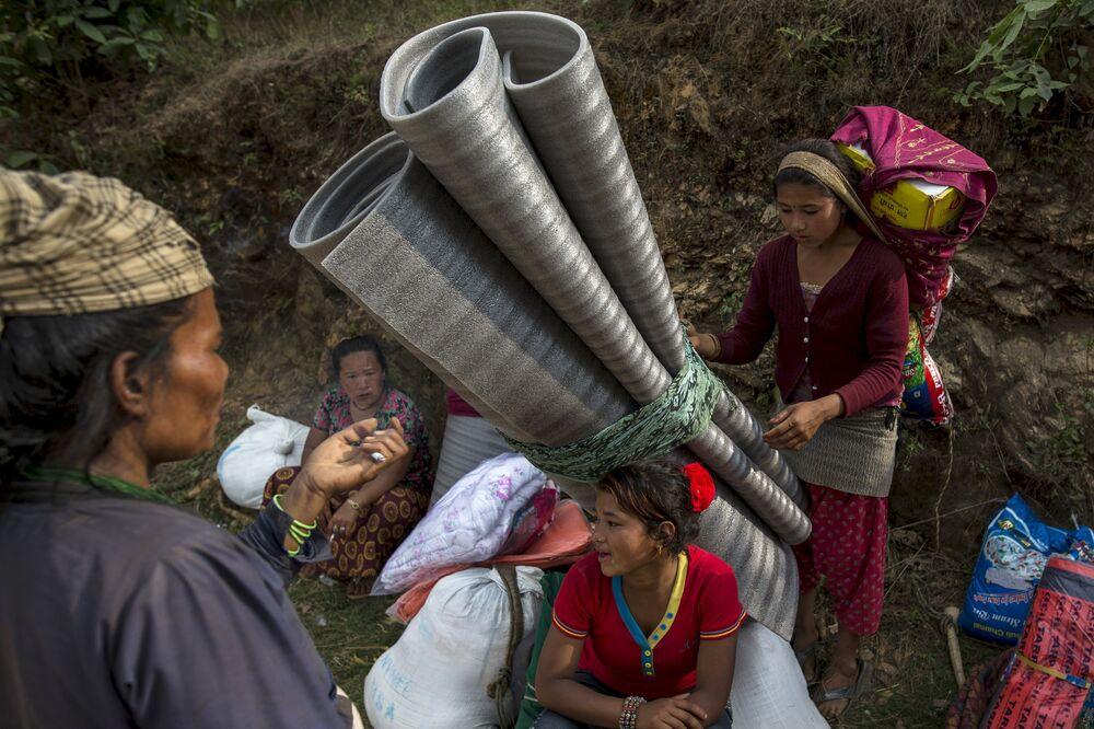 Népal: la vie au milieu des ruines