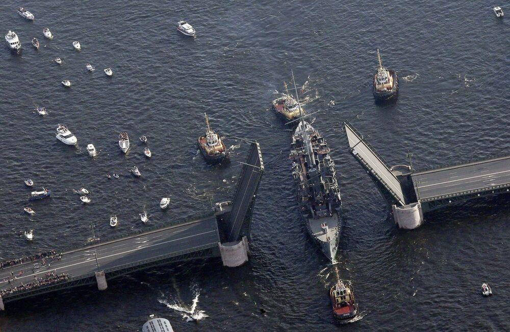 Le navire-musée Aurore sur la Neva à Saint-Pétersbourg. Le 21 septembre 2014