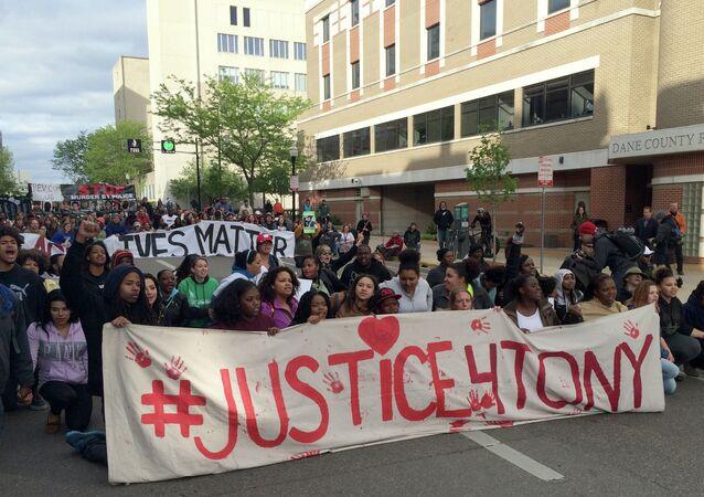 La mort de Tony Robinson a entraîné plusieurs jours de manifestations à Madison.