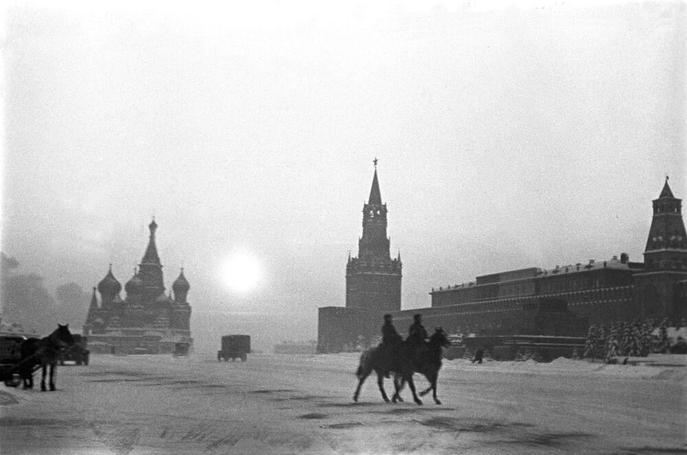 La Place Rouge, novembre 1941