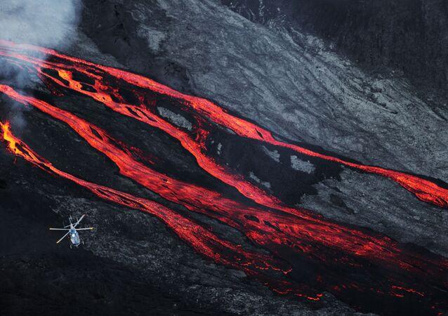 Une éruption du piton de la Fournaise en 2015