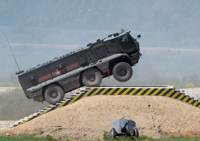 véhicules militaires blindés de type Taïfoun-K