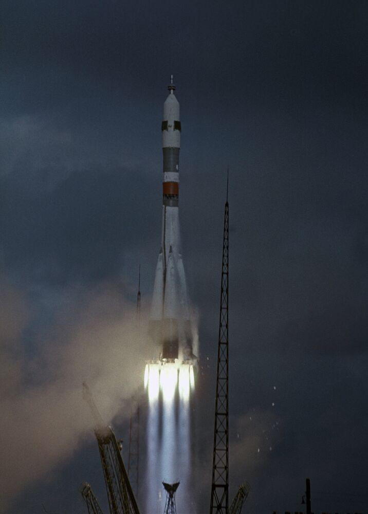 Le lancement de la fusée Soyouz-8, Baïkonour 1969