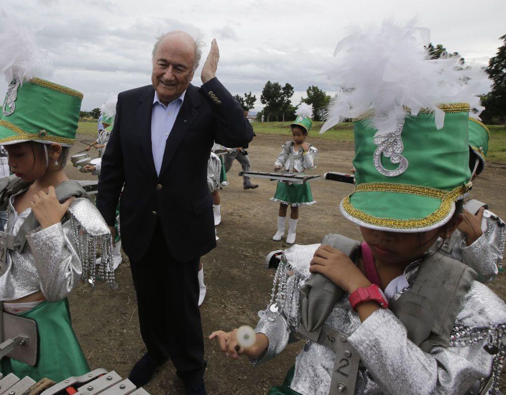 Le président de la FIFA Joseph Blatter en visite aux Philippines