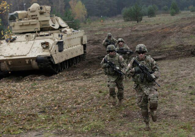 Soldats américains lors d'exercices en Lettonie
