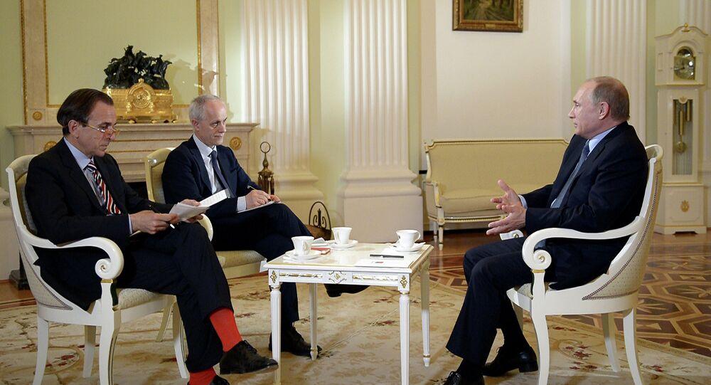 Vladimir Poutine accorde une interview au Corriere della Sera