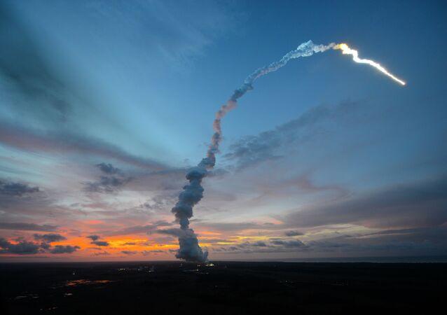 Lancement de la fusée Ariane 5 VA213