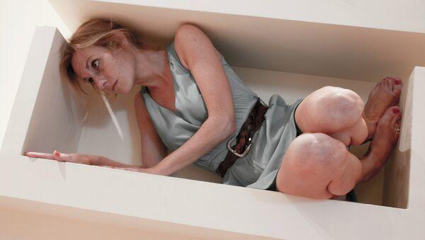 Женщина в ящике - Sputnik France