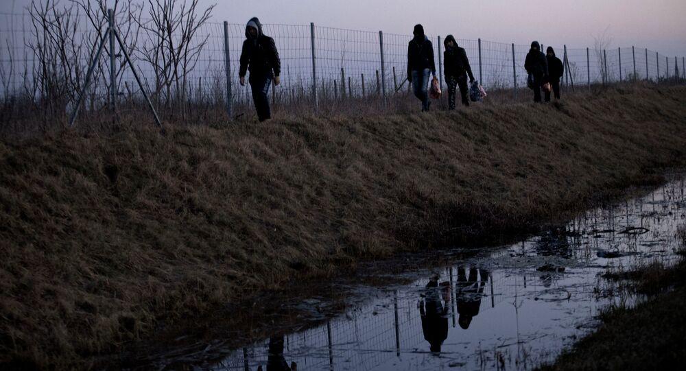 Frontière de la Hongrie avec la Serbie. Migrants illégaux, Fev. 17, 2015