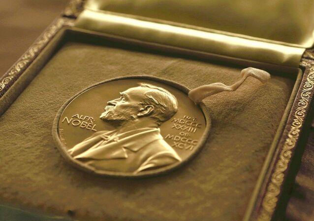 Une médaille du prix Nobel