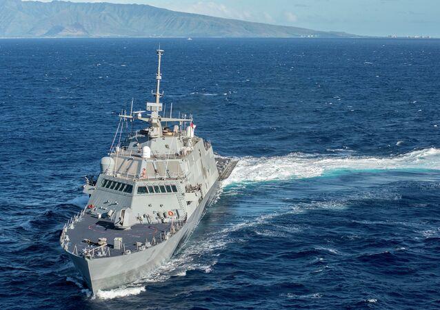 L'USS Fort Worth