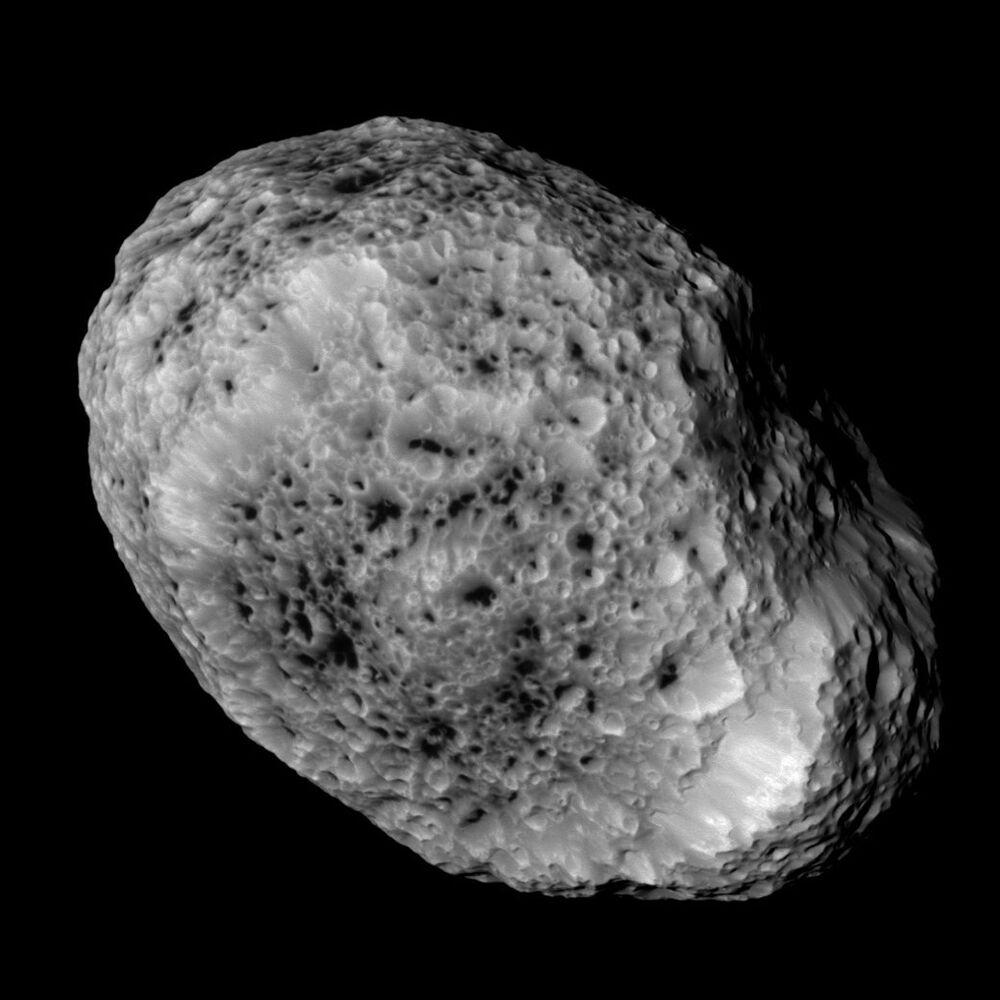 La Nasa publie des photos de Saturne et de ses lunes