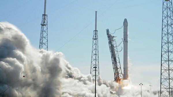 Décollage de la fusée Falcon 9 de SpaceX - Sputnik France
