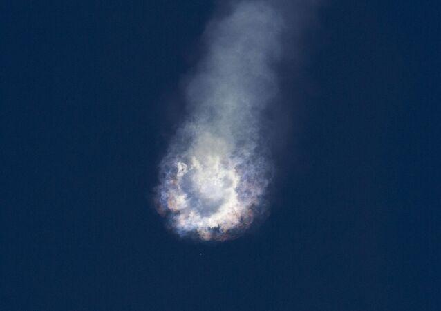 Explosión de SpaceX Falcon 9