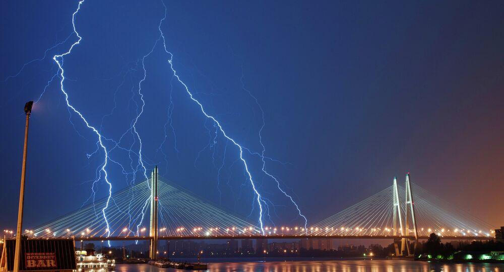 Orage à Saint-Pétersbourg