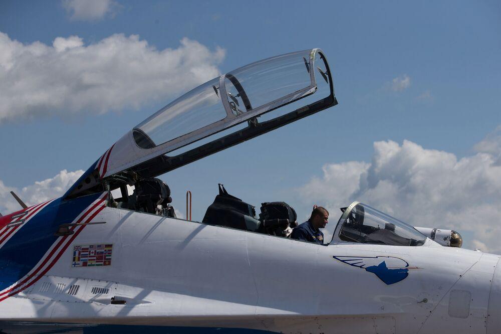 Les patrouilles russes de voltige aérienne