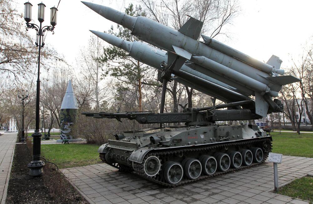 Un système de missiles sol-air Kroug