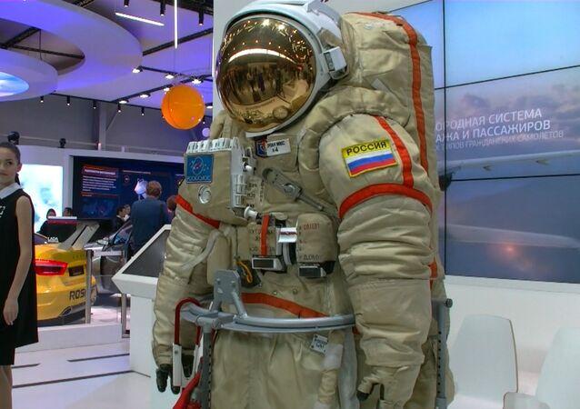 Espace: scaphandres russes de cinquième génération