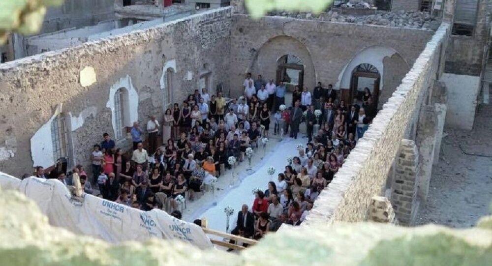 Mariage à l'église St. George en ruine, Homs, Syrie