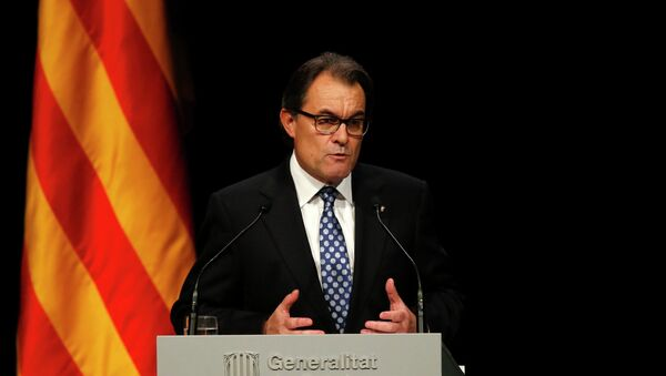 Catalonia's President Artur Mas attends a conference in Barcelona, assessing the situation after a symbolic vote on the region's independence from Spain, November 25, 2014 - Sputnik France