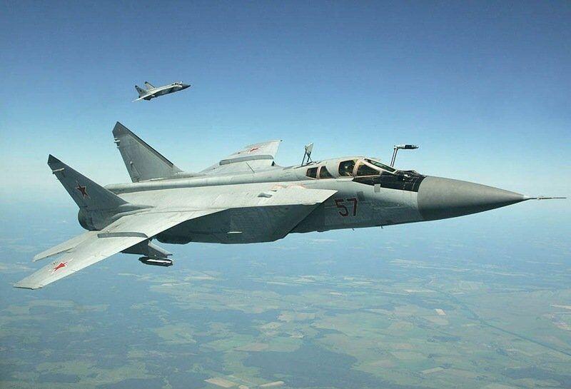 Chasseur-intercepteur de quatrième génération MiG-31