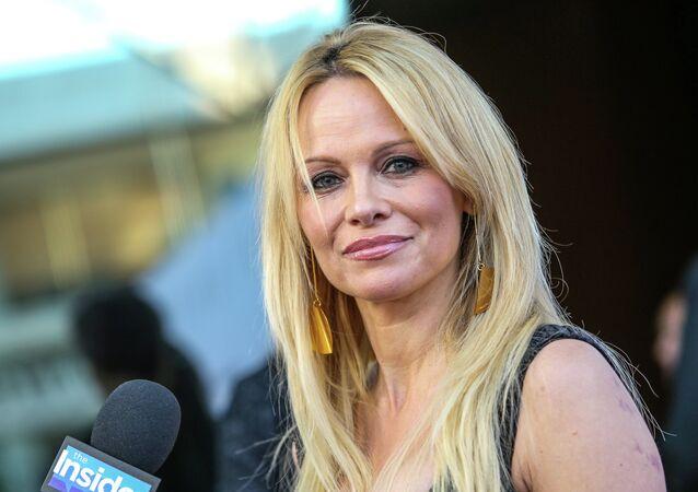 Pamela Anderson, le 24 juin 2015