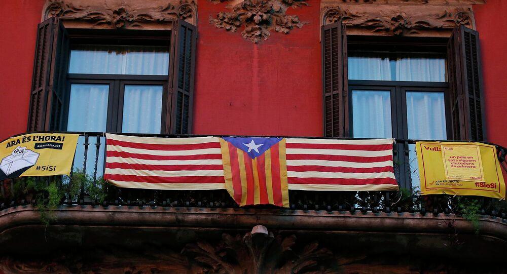 L'estelada, drapeau qui symbolise la revendication de l'indépendance de la Catalogne