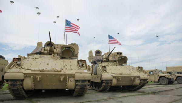 Des véhicules de combat d'infanterie Bradley - Sputnik France