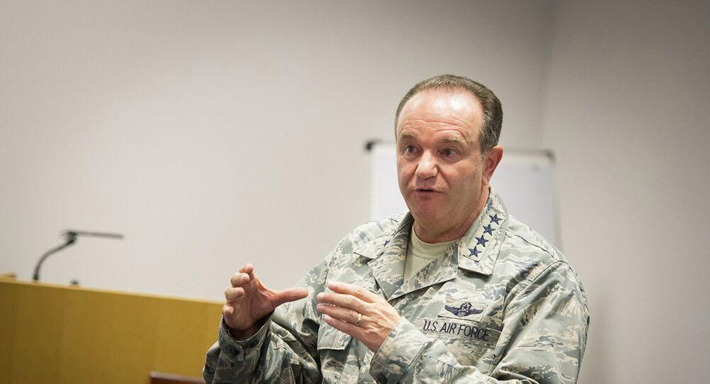 Le commandant en chef des forces de l'Otan en Europe, le général américain Philip Breedlove