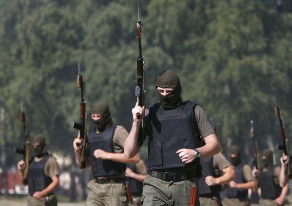 Les exercices de la Garde nationale d'Ukraine près de Kiev - Sputnik France